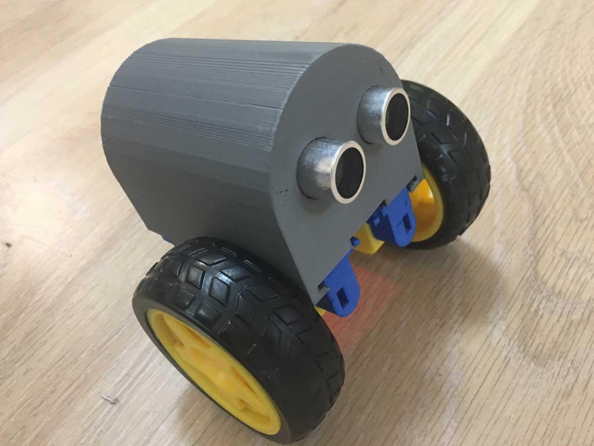 Робот на колёсах